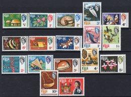 Fiji QEII 1968 Definitives Set Of 17, MNH, SG 371/87 - Fiji (...-1970)