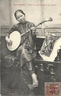 CPA Indochine Cochinchine Dame Annamite Faisant De La Musique - Vietnam