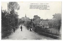 Cpa: 49 CLEFS (ar. Saumur) Route De La Gare (animée, Poême De Louis PAPIN (Paul Pionis)) - Other Municipalities