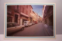 LE LUC EN PROVENCE   - Rue De La République -  ( Pas De Reflet Sur L'original ) - Le Luc