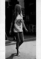 Brigitte Bardot-a St Tropez En 1968 - Artistes