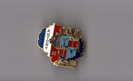 Pin's Police / Association D'Antony (EGF Doré) Hauteur: 2,9 Cm - Police