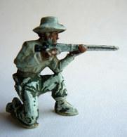 Figurine GUILBERT COWBOY (2) Tireur Fusil à Genoux 1 2 60's Pas Starlux Clairet Cyrnos - Starlux