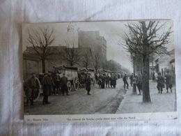 DANS LE NORD  - UN CONVOI DE CAMIONS BOULANGERIE - Oorlog 1914-18