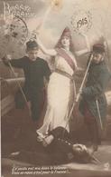 BONNE ANNEE 1915 - Le Poid Est Mis Dans La Balance Visez Au Coeur C'est Pour La France - Patriottisch