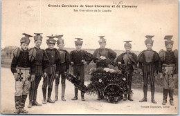 41 COUR CHEVERNY - Grande Cavalcade, Grenadiers De La Comà¨te - France