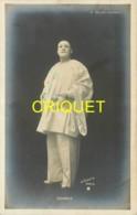 Spectacle, Folies-Bergères, L'artiste Serres En Pierrot - Cabarets