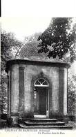 Sainte Bazeilles. Un Pavillon Dans Le Parc Du Chateau De Bazeilles. - Francia