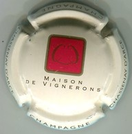 CAPSULE-CHAMPAGNE CHASSENAY D'ARCE N°24a Fond Crème Pâle - Champagne