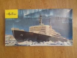 Collector Années 60/70 Maquette Plastique 1/400 Marque HELLER LE BRISE-GLACE LENINE - Boats