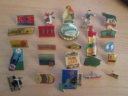 A Prix Cassé !!! LOT19-034 De 25 Pin's En Très Bon état , Tous Différents , Avec Leurs Attaches - Badges