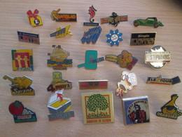 A Prix Cassé !!! LOT19-039 De 25 Pin's En Très Bon état , Tous Différents , Avec Leurs Attaches - Badges
