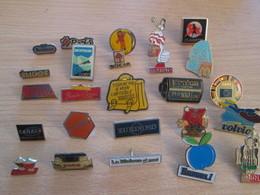 A Prix Cassé !!! LOT19-068 De 25 Pin's En Très Bon état , Tous Différents , Avec Leurs Attaches - Badges