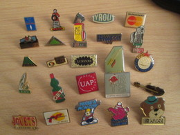 A Prix Cassé !!! LOT19-058 De 25 Pin's En Très Bon état , Tous Différents , Avec Leurs Attaches - Badges