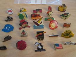 A Prix Cassé !!! LOT19-075 De 25 Pin's En Très Bon état , Tous Différents , Avec Leurs Attaches - Badges