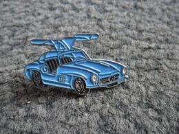 PIN'S AUTOMOBILE VINTAGE MERCEDES Auto Coupé De 1955 @ 30 Mm X 17 Mm - Mercedes