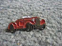PIN'S AUTOMOBILE VINTAGE @ 30 Mm X 13 Mm - Mercedes