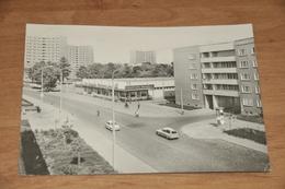 5568- DESSAU, AN DER  KAUFHALLE ZENTRUM - Dessau