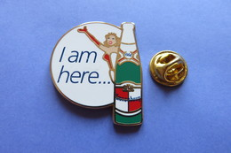 Pin's, KRONENBOURG BIER, Pin-Up Girl, I Am Here...,bouteille, Biere - Beer