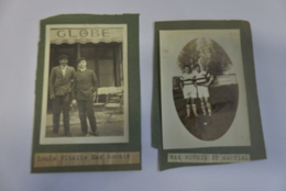 2 PHOTOS DE MAX ROUSIE RUGBY XIII VILLENEUVE LOT AU STADE ET CIVIL DEVANT CAFE GLOBE - Sports