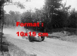 Reproduction D'une Photographie Ancienne D'une Bugatti En Course En 1935 - Reproductions