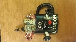 Aimant De Frigo L London  (Eclat Sur Deux Bout De Doigt) - Magnets