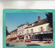 AUNEAU PLACE DU MARCHE  ( MOTO SCOOTER  MOBYLETTE VOITURES ) - Auneau
