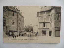 (Savoie - 73)  -   CHAMBERY  -  La Place Octogone Et L'Hôtel Costa - Chambery