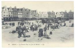 Cpa Arras - La Grande Place Un Jour De Marché ...  ( S.3089 ) - Arras