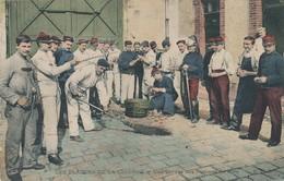 CPA - Thèmes - Militaria - Les Plaisirs De La Caserne - Une Corvée Des Pommes De Terre - Casernes