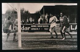 TIELT  FOTO 14 X 9 CM - 1973   VOETBAL   F.C TIELT 0 - RAC.DE PANNE 1 - Tielt