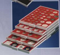 D-Box à Monnaies Doubles Ht 30 Mm Lindner Réf. 2812 Alvéoles Carrés 66 Mm 12 Cases Fond Rouge à - 50% - Matériel