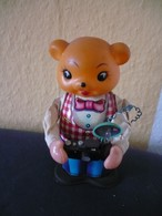 Mechan. Reporter - Schlüsselwerk - Blechspielzeug (mit Kunststoffkopf) -  (659) - Antikspielzeug