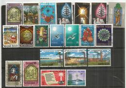 Lot De Timbres Norfolk, émis Pour Noël Chaque Année,   21 Timbres Oblitérés,  1 ère Qualitè, Tous Différents. Côte 20 € - Ile Norfolk