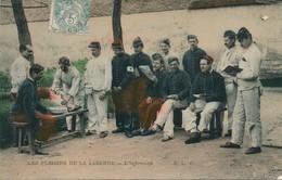 CPA - Thèmes - Militaria - Guerre 1914-18 - Les Plaisirs De La Caserne - L'infirmerie - Guerre 1914-18