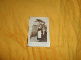CARTE POSTALE PHOTO ANCIENNE CIRCULEE DE 1918. / ANOTATION DECEDEE..JEUNE FEMME...LIEU NON SITUE.. - Femmes