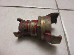 Ancien Raccord Pompiers - Equipment
