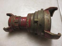Ancien Raccord Pompiers - Equipement