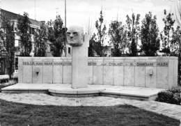 Zelzate  Standbeeld Burgemeester Chalmet    I 4259 - Zelzate