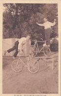 CPA THE DORKING'S  Acrobates Cycliste Bicyclette Vélo Cycling Radsport Cirque Cirk Circus (St Nazaire) - Cyclisme