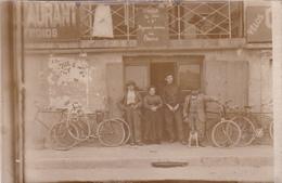 CPA - PHOTO Carte-Photo Devanture Magasin De Cycles Vélo Bicyclette Cycling Radsport Non Située - Magasins