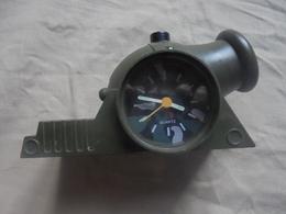 """Ancien Réveil à Quartz """"Cannon Alarm Clock"""" - Jewels & Clocks"""
