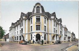Berck-Plage - Hôtel Régina, Centre De Congés Payés Des Houillères Du Nord, Traction, Simca 6 - Carte Colorisée - Hotels & Restaurants