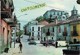 Molise-isernia-belmonte Del Sannio Via Risorgimento Veduta Case Persone Auto Epoca Negozi Tabacchi Animata - Italia