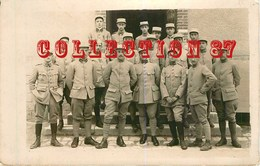 OF < 77 ☺♥♥ FONTAINEBLEAU - CARTE PHOTO D'un GROUPE De MILITAIRES En 1918 - MILITAIRE SOLDAT - Fontainebleau