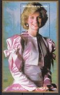 945e Niger 1997 Principessa Princess Of Wales Lady Diana Black Dress And  Jewelry  Sheet Nuovo  MNH - Niger (1960-...)