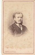 PHOTO CDV 19 EME HOMME ELEGANT FAVORIS  MODE  Cabinet BERTALL  A PARIS - Anciennes (Av. 1900)