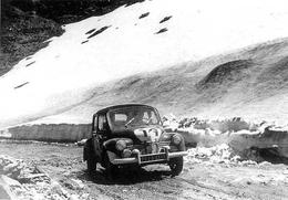 Rallye Coupe Des Alpes 1951  -  Renault 4CV  - Pilotes: Mireille Et Francois Landon  -  15x10cms PHOTO - Rally