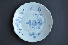 ASSIETTE BLEUE DECOR  FLEUR - Céramiques