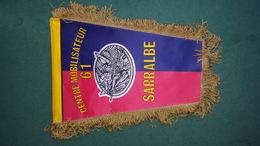 FANION MILITAIRE CENTRE MOBILISATEUR 61 SARRABLE - Flags
